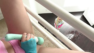 Ardent and too horny lesbo Kenzie Reeves cannot live at any point without masturbation