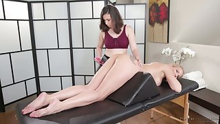 Marvelous snake-hipped inverted masseuse Casey Calvert desires to enjoy massage