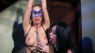 Spiderella Captured Cudgel Wide of Vampirella