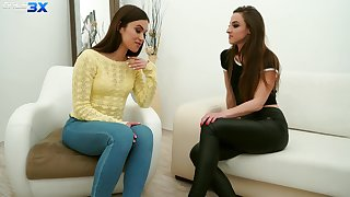 Sexy travel over soul Alyssa Reece is seduced by girl be proper of kinky lesbian sex