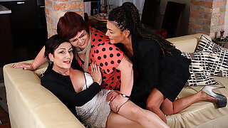 Three Full-grown Lesbians Getting Wet Not susceptible The Couch - MatureNL